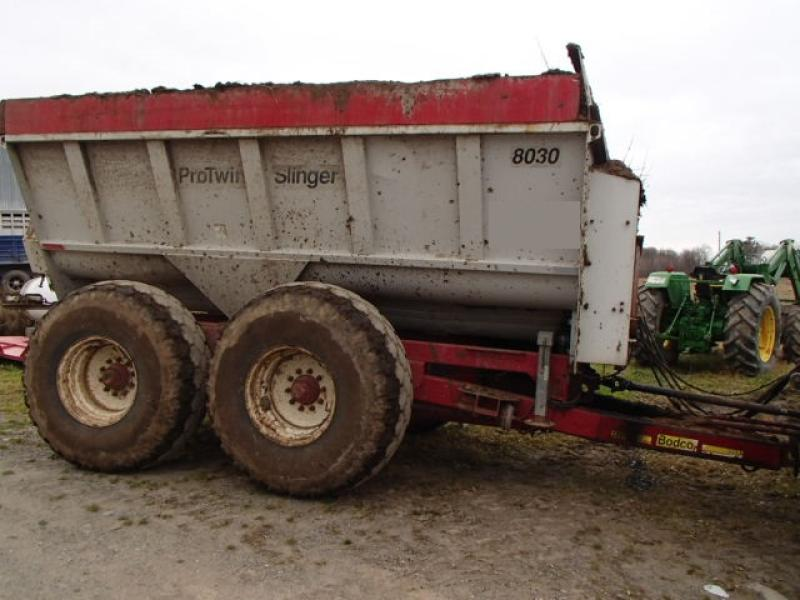 Manure Truck Rolled : Knight protwin slinger manure spreading truck