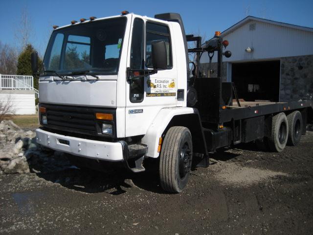 vendu Ford Cargo 8000 1989 En Vente chez EquipMtl