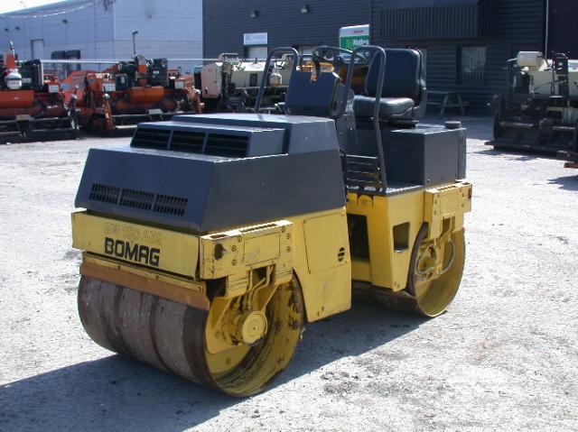 vendu Bomag BW100AD-2 1993 En Vente chez EquipMtl