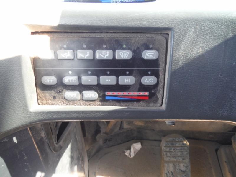 Chargeur sur roues (30 tonnes et plus) Komatsu WA500-3LK 2001 Équipement en vente chez EquipMtl