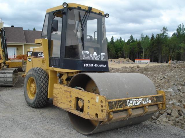 vendu Caterpillar CS433L 1999 En Vente chez EquipMtl