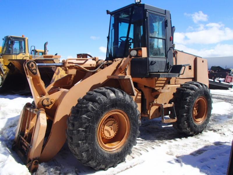 Chargeur sur roues (5 à 30 tonnes) Case 721 1993 En Vente chez EquipMtl