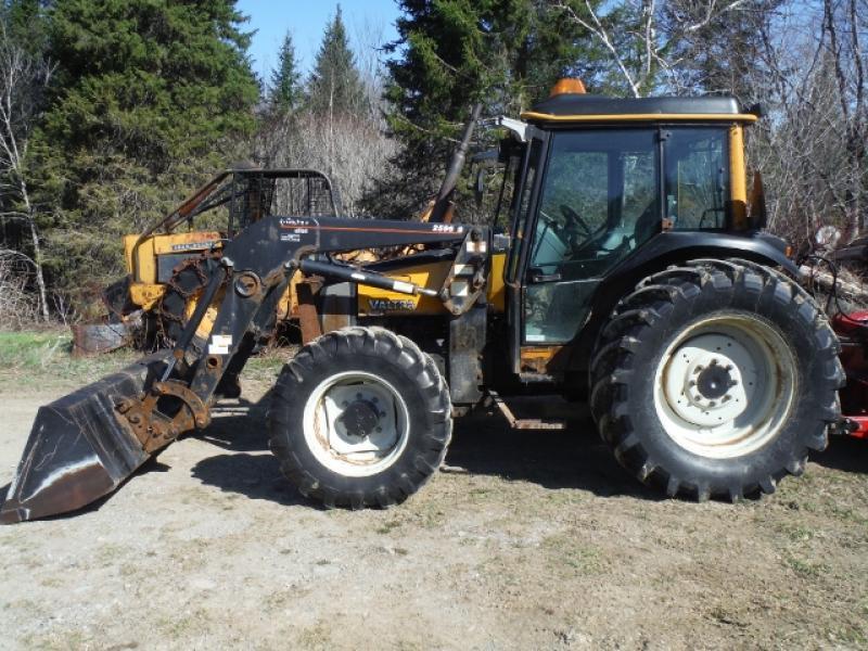 Tracteur agricole 4X4 Valtra A75 2004 En Vente chez EquipMtl