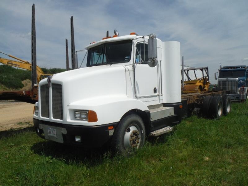 Camion cab et chassis Kenworth T600 1989 En Vente chez EquipMtl