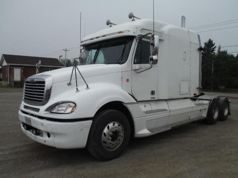 Camion Tracteur 10 roues couchette Freightliner Columbia 2003 En Vente chez EquipMtl