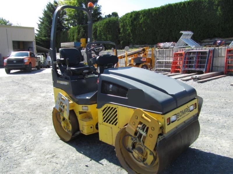 vendu Bomag BW120AD-4 2012 En Vente chez EquipMtl