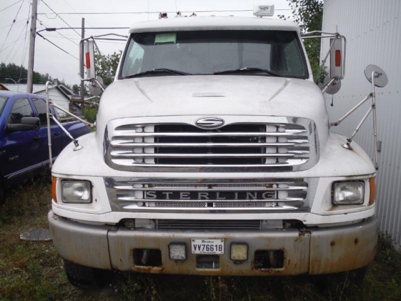 Camion grue Sterling Acterra 2002 Équipement en vente chez EquipMtl