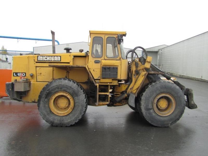 Chargeur sur roues (5 à 30 tonnes) Michigan L120 1987 En Vente chez EquipMtl