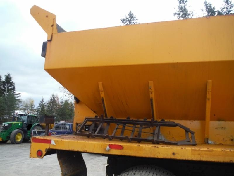 Camion à neige Volvo ACL64FT 1998 Équipement en vente chez EquipMtl