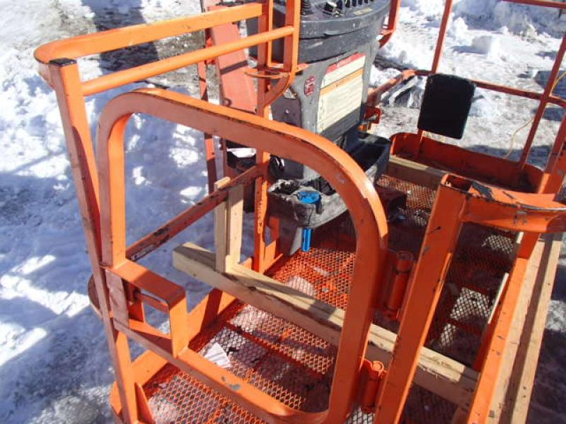 Telescopic aerial platform JLG 660SJ 2008 Equipment for Sale at EquipMtl