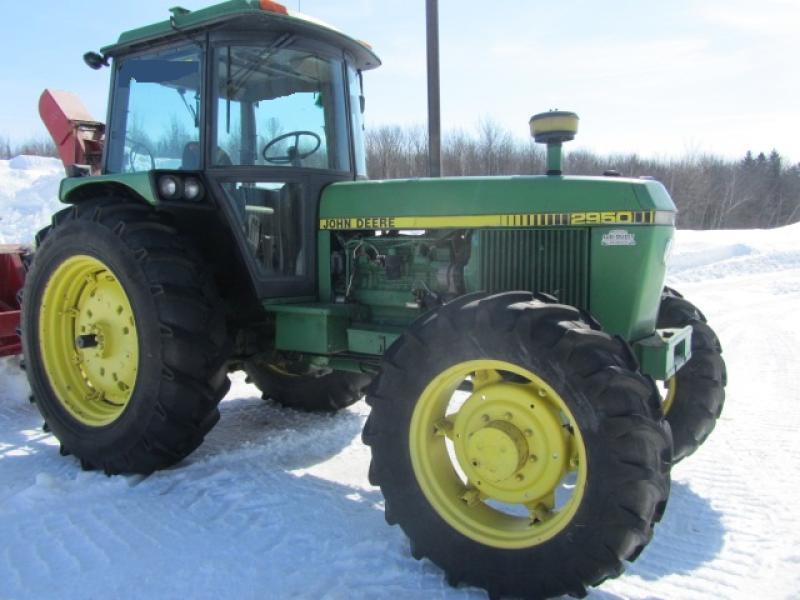 Tracteur agricole 4X4 John Deere 2950 1984 En Vente chez EquipMtl