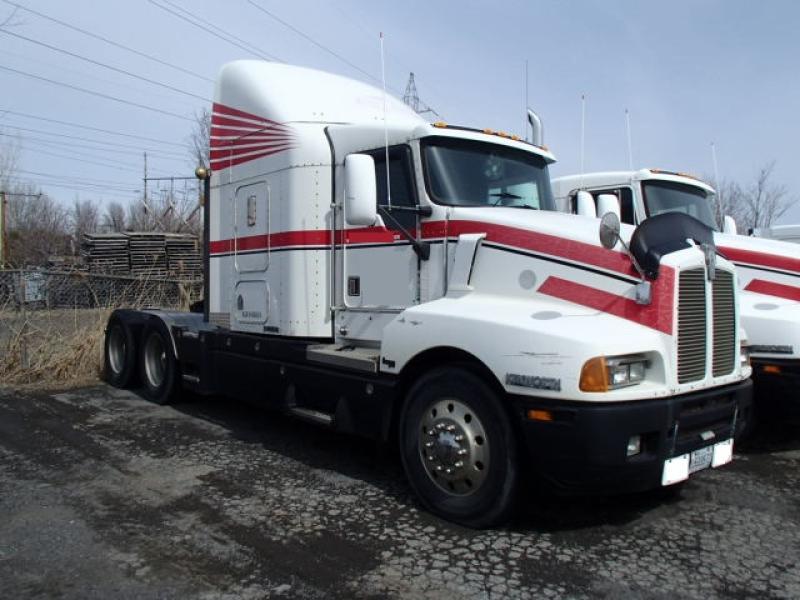 Camion Tracteur 10 roues couchette Kenworth T600 1999 En Vente chez EquipMtl