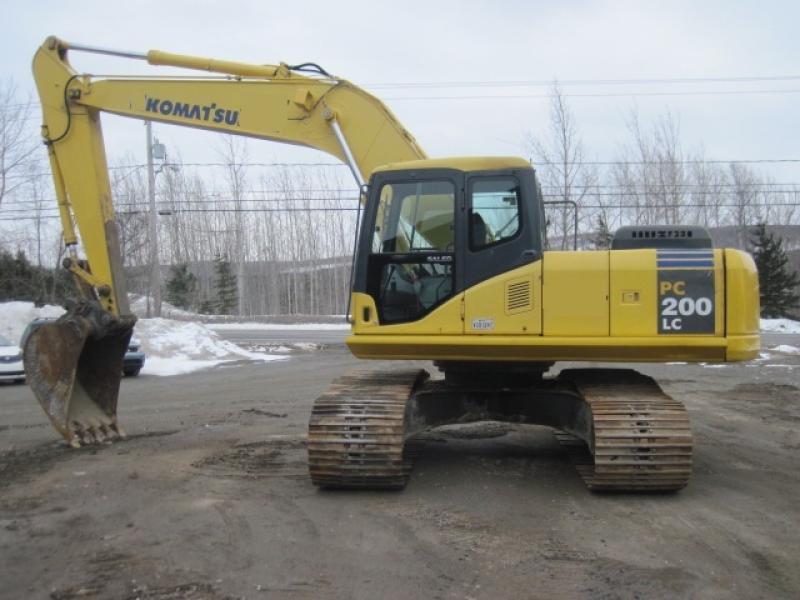 Excavatrice (20 à 39 tonnes) Komatsu PC200LC-7L 2003 En Vente chez EquipMtl