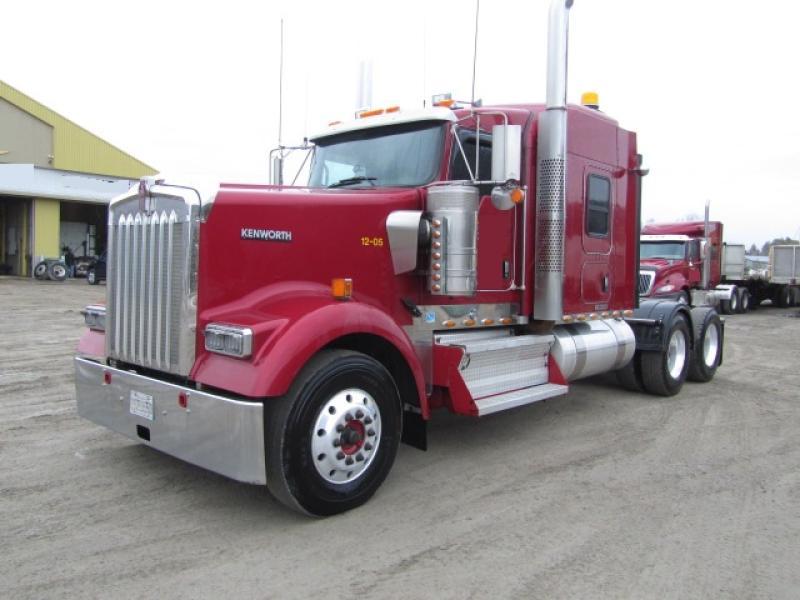 Camion Tracteur 10 roues couchette Kenworth W900L 2012 En Vente chez EquipMtl
