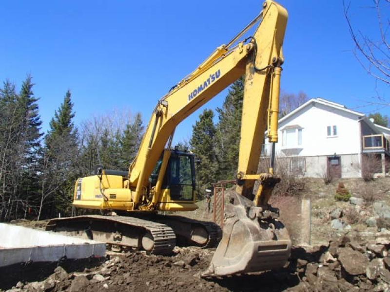 Excavatrice (20 à 39 tonnes) Komatsu PC200LC-8 2011 En Vente chez EquipMtl