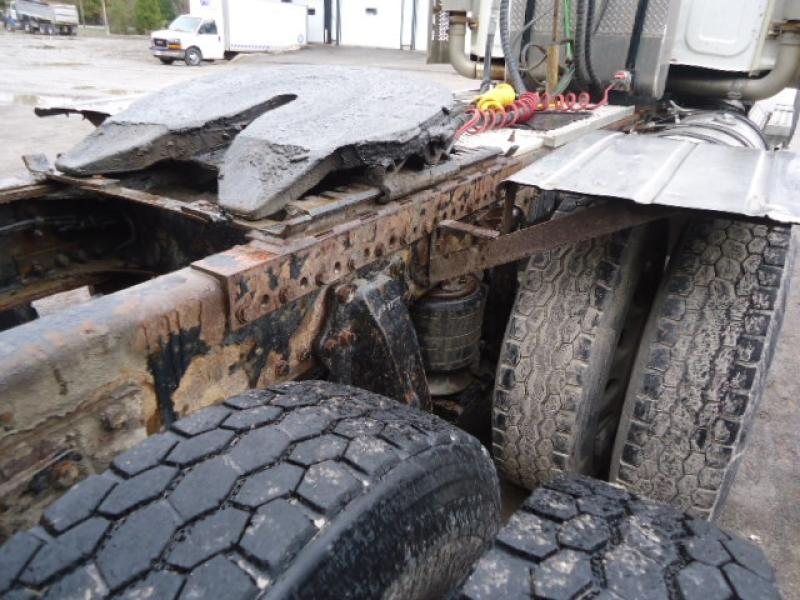 Camion tracteur 10 roues Day Cab Western Star 4900SF 2012 Équipement en vente chez EquipMtl