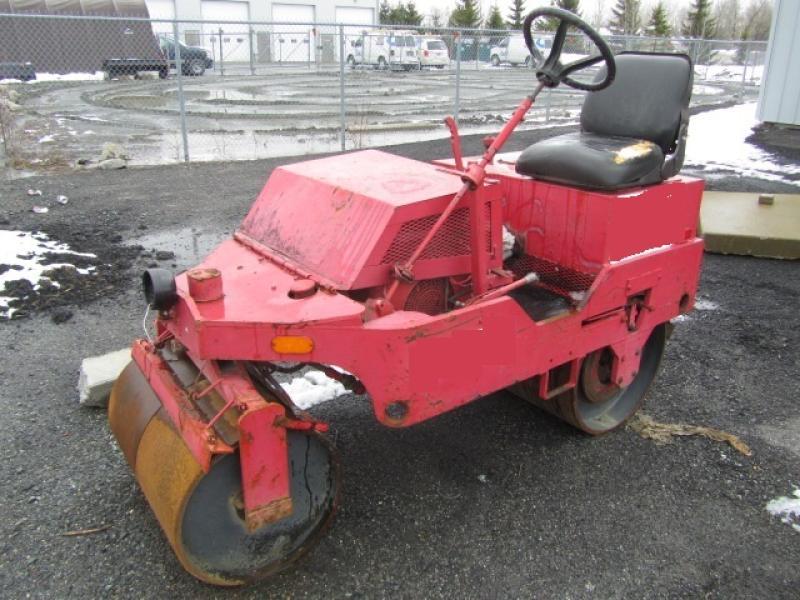 Rouleau asphalte double vibrant Mauldin 4000 1985 En Vente chez EquipMtl