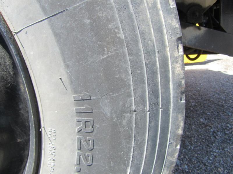 Camion citerne Ford Cargo CF8000 1996 Équipement en vente chez EquipMtl