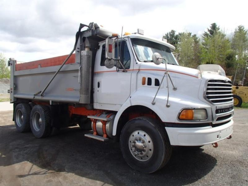 Camion dompeur 10 roues Sterling AT 9500 2005 En Vente chez EquipMtl