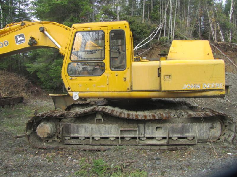 Excavatrice (20 à 39 tonnes) John Deere 790D 1987 En Vente chez EquipMtl