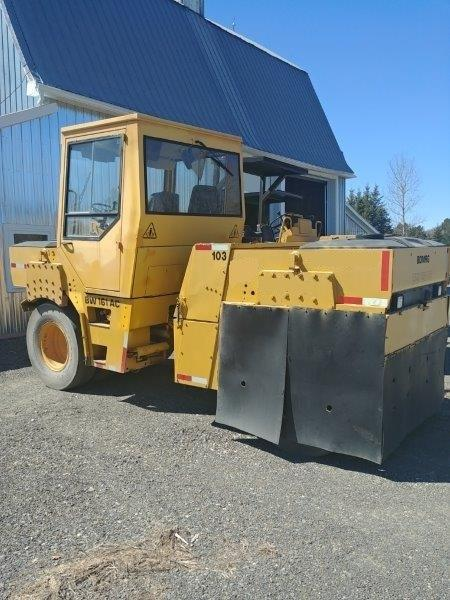 Rouleau asphalte pneumatique Bomag BW161 AC 1999 En Vente chez EquipMtl