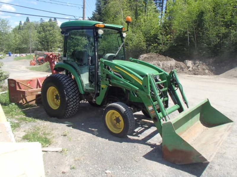 4X4 tractor John Deere 4520 2010 equipment
