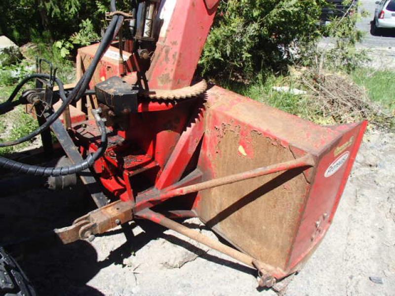 4X4 tractor John Deere 4520 2010 Equipment for Sale at EquipMtl