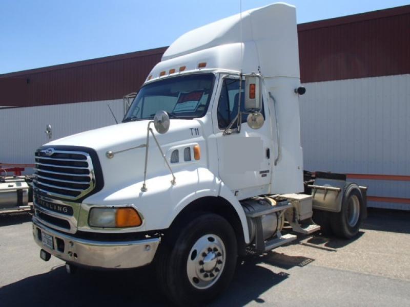 Camion tracteur 6 roues Sterling L8500 2006 En Vente chez EquipMtl