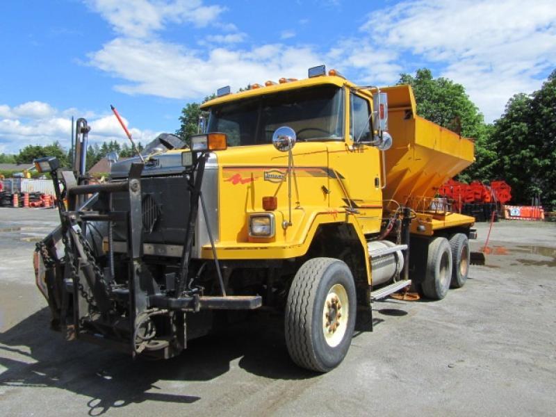 Camion à neige White-Gmc ACL 1990 En Vente chez EquipMtl