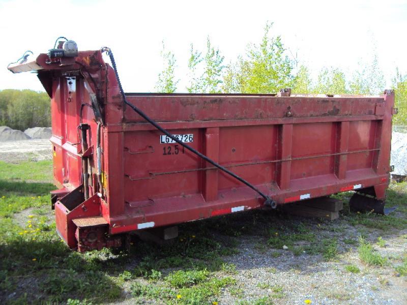 x) Attachement camion Boîte à gravier 4 saisons de 15' En Vente chez EquipMtl