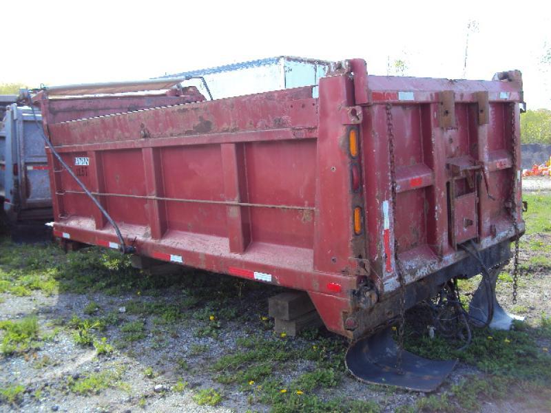 x) Attachement camion Boîte à gravier 4 saisons de 15' Équipement en vente chez EquipMtl