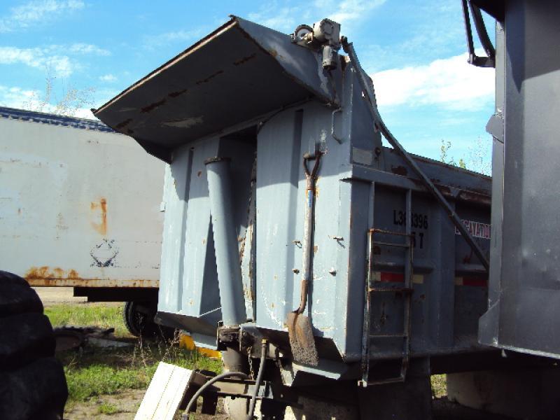 x) Attachement camion Boîte à gravier 14' Équipement en vente chez EquipMtl