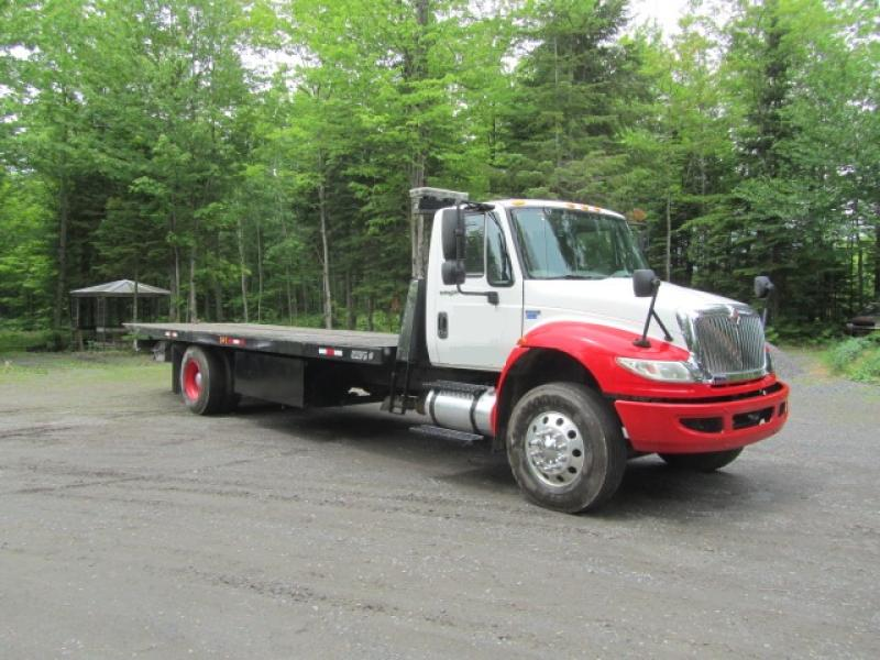 International 4400 SBA 2009 En Vente chez EquipMtl