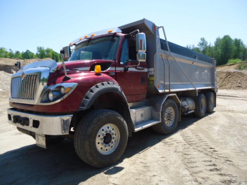 Camion dompeur 12 roues International Workstar 7600 2014 En Vente chez EquipMtl