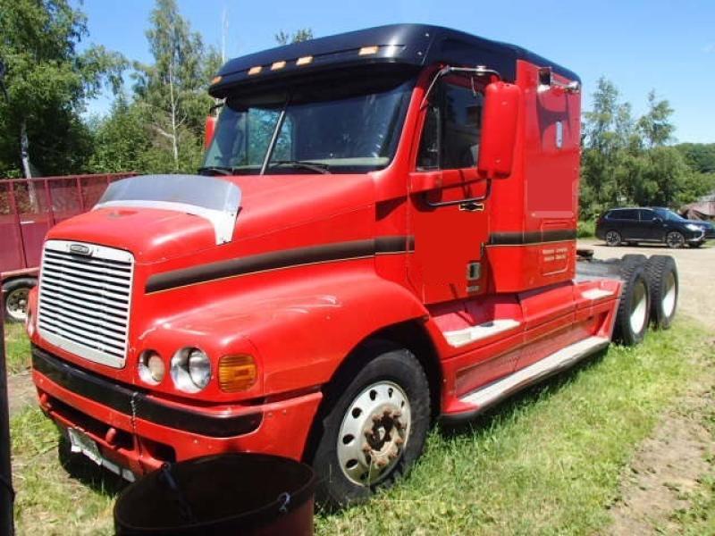 Camion Tracteur 10 roues couchette Freightliner Century 2000 En Vente chez EquipMtl