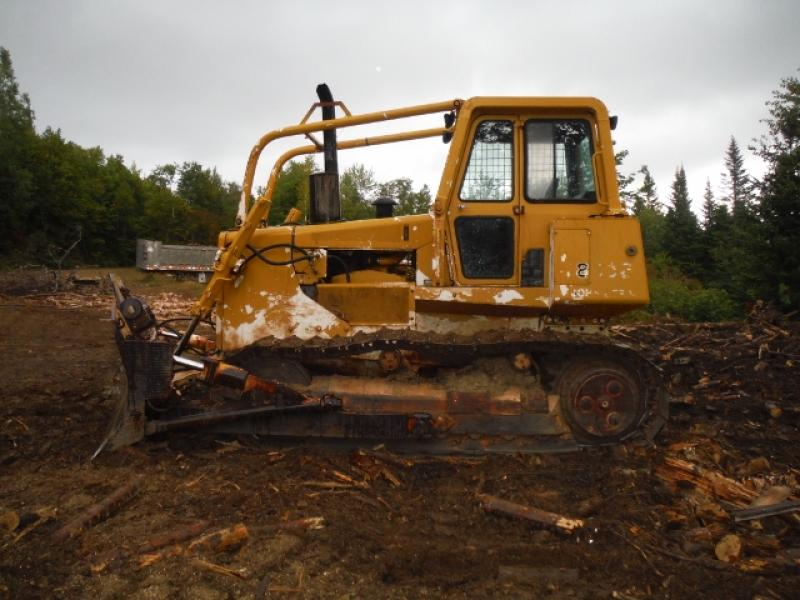 Tracteur à chaînes (10 à 20 tonnes) John Deere 850B 1988 Équipement en vente chez EquipMtl