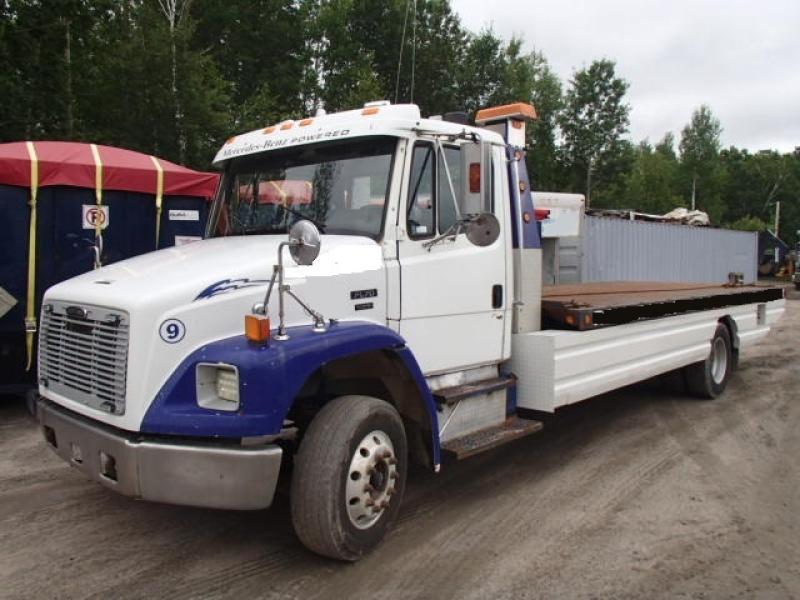 Remorqueuse Freightliner FL70 2002 En Vente chez EquipMtl