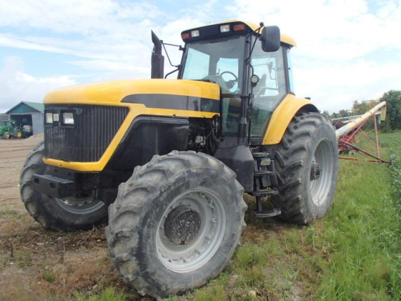 Tracteur agricole 4X4 AGCO DT225 2003 En Vente chez EquipMtl