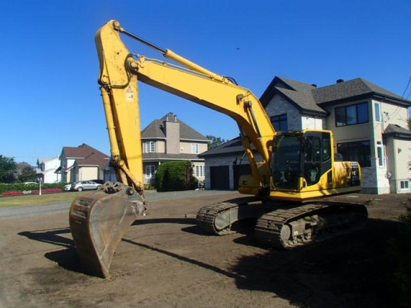 Excavatrice (20 à 39 tonnes) Komatsu PC200LC-8 2012 En Vente chez EquipMtl