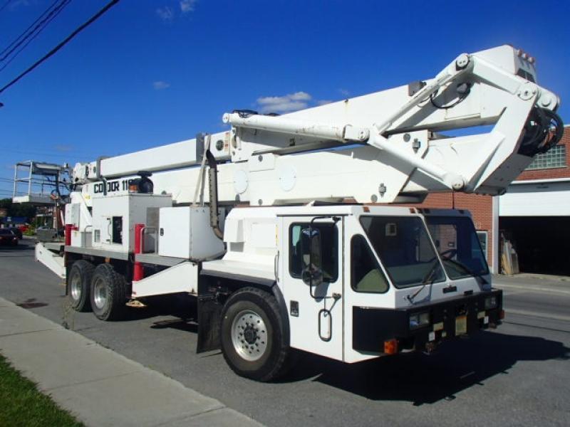 Camion nacelle Condor 118I 2001 En Vente chez EquipMtl