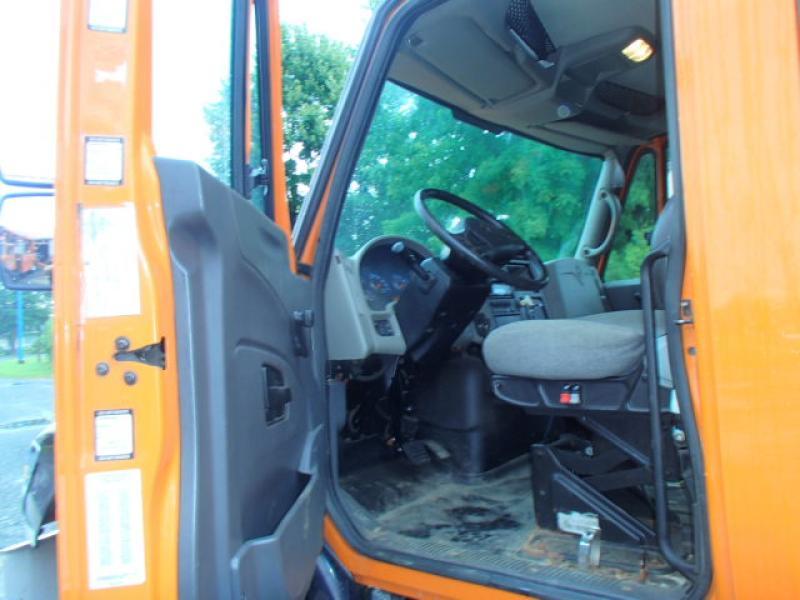 Camion nacelle International 7400 SBA 2010 Équipement en vente chez EquipMtl