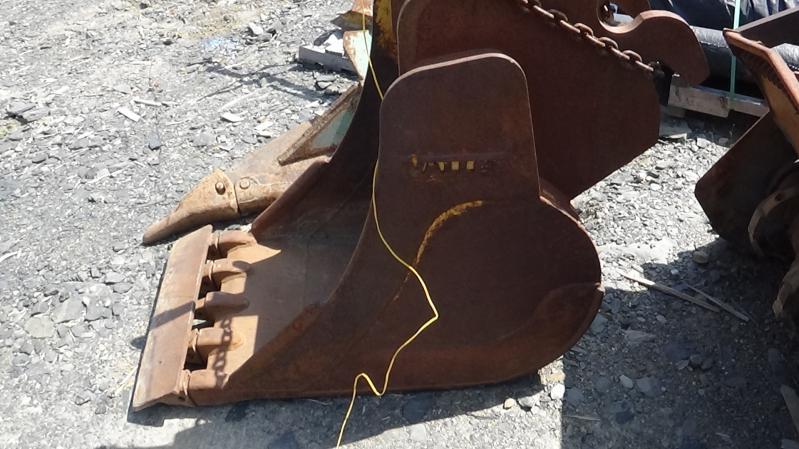 Godet d'excavation Vallée 24 pouces 2000 En Vente chez EquipMtl