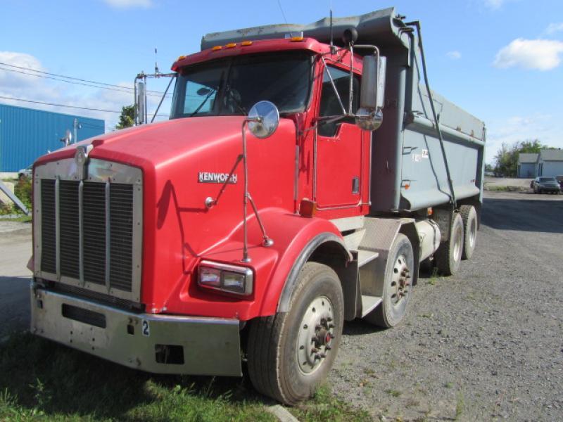Camion dompeur 12 roues Kenworth T800 1999 En Vente chez EquipMtl