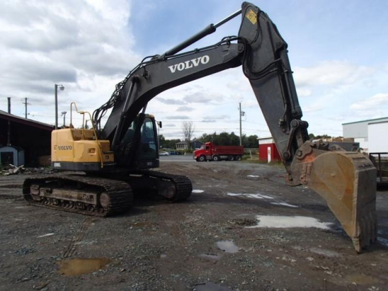 Excavatrice (20 à 39 tonnes) Volvo ECR305CL 2011 En Vente chez EquipMtl