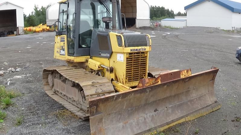 Tracteur à chaînes ( 0 à 9 tonnes) Komatsu D39PX-21 2003 Équipement en vente chez EquipMtl