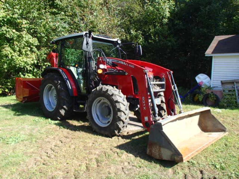 Tracteur agricole 4X4 Massey Ferguson 4707 2017 En Vente chez EquipMtl