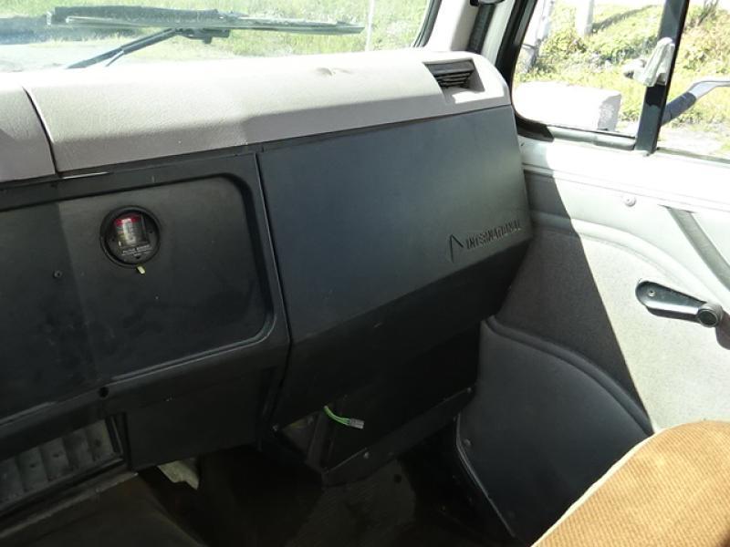 Camion-cube International 4900 1997 Équipement en vente chez EquipMtl