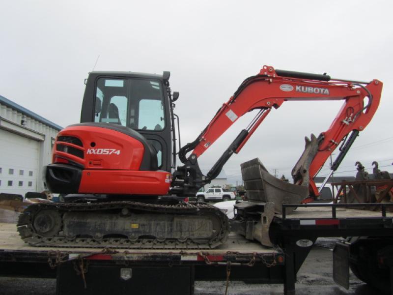 Excavatrice ( 8 tonnes et moins) Kubota KX057-4 2013 En Vente chez EquipMtl