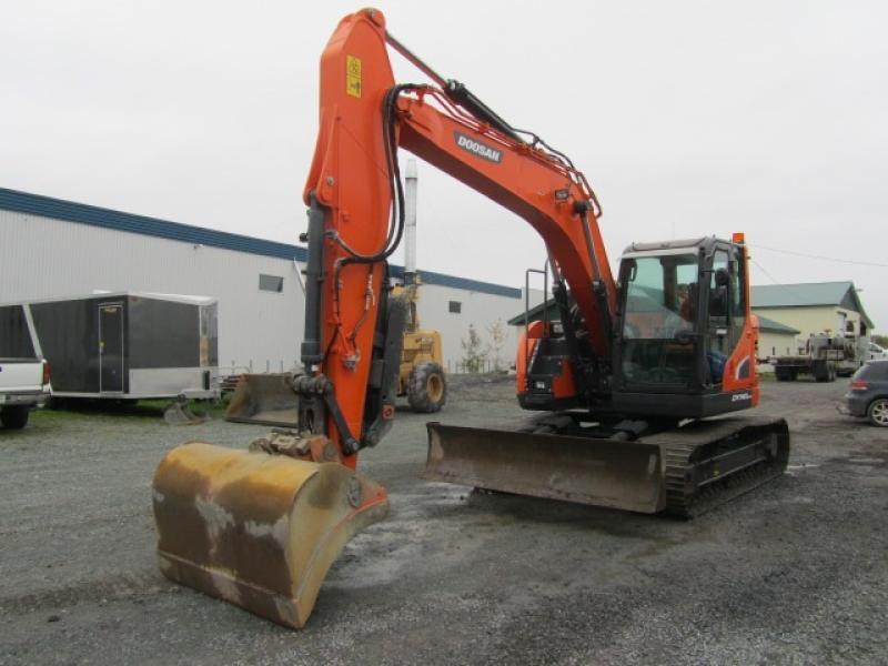 Excavatrice ( 9 à 19 tonnes) Doosan DX140LCR-5 2017 En Vente chez EquipMtl