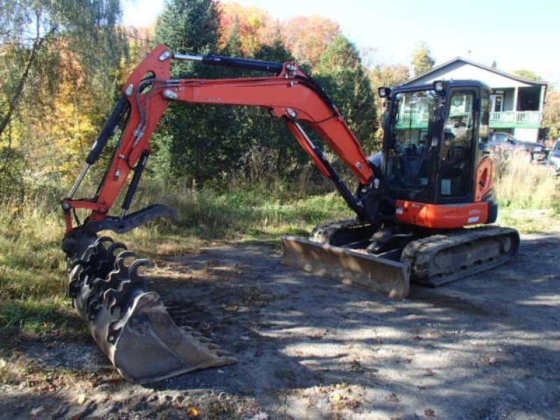 Excavatrice ( 8 tonnes et moins) Kubota U55-4 2017 En Vente chez EquipMtl